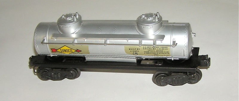 High Grade Lionel # 2465 Sunoco Tank Car FLYING SHOE w/BOX